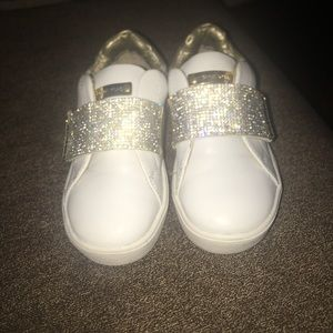 Micheal kors size 9 toddler